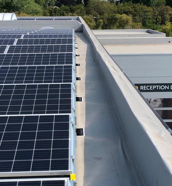 Installation professionnelle de panneaux photovoltaïques
